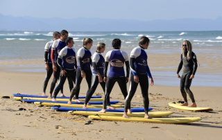 group surf lesson
